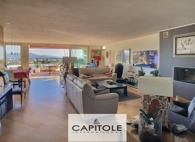 Antibes - Panoramic sea view .5 bedroom villa of 300m²
