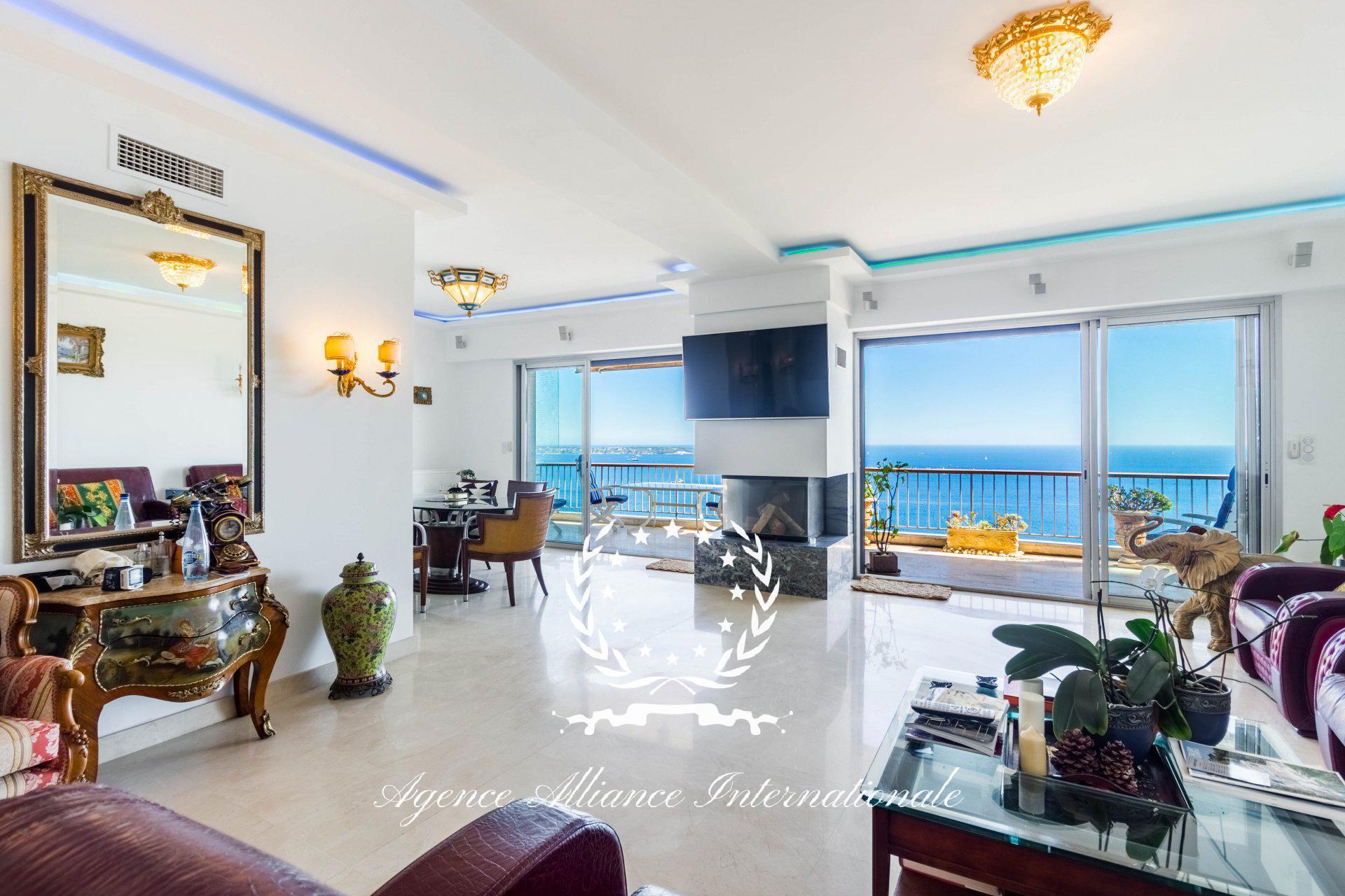 Penthouse d'exception 5 Pièces 170m2 avec 130m2 de Terrasse à Cannes Californie