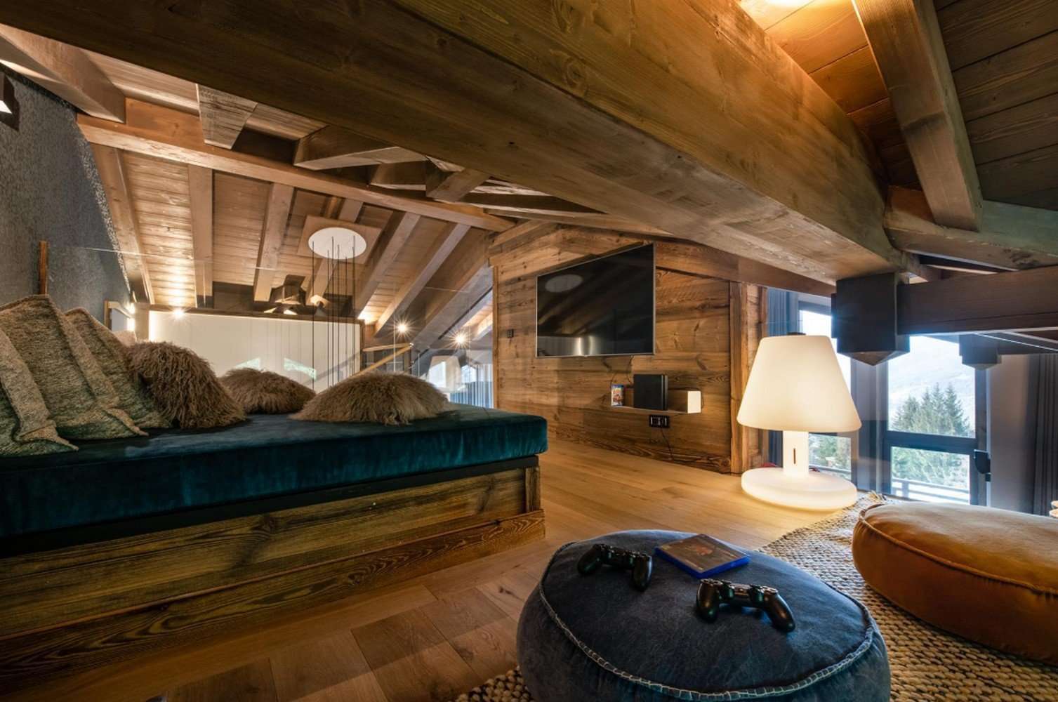 BEAUTIFUL CHALET IN COURCHEVEL