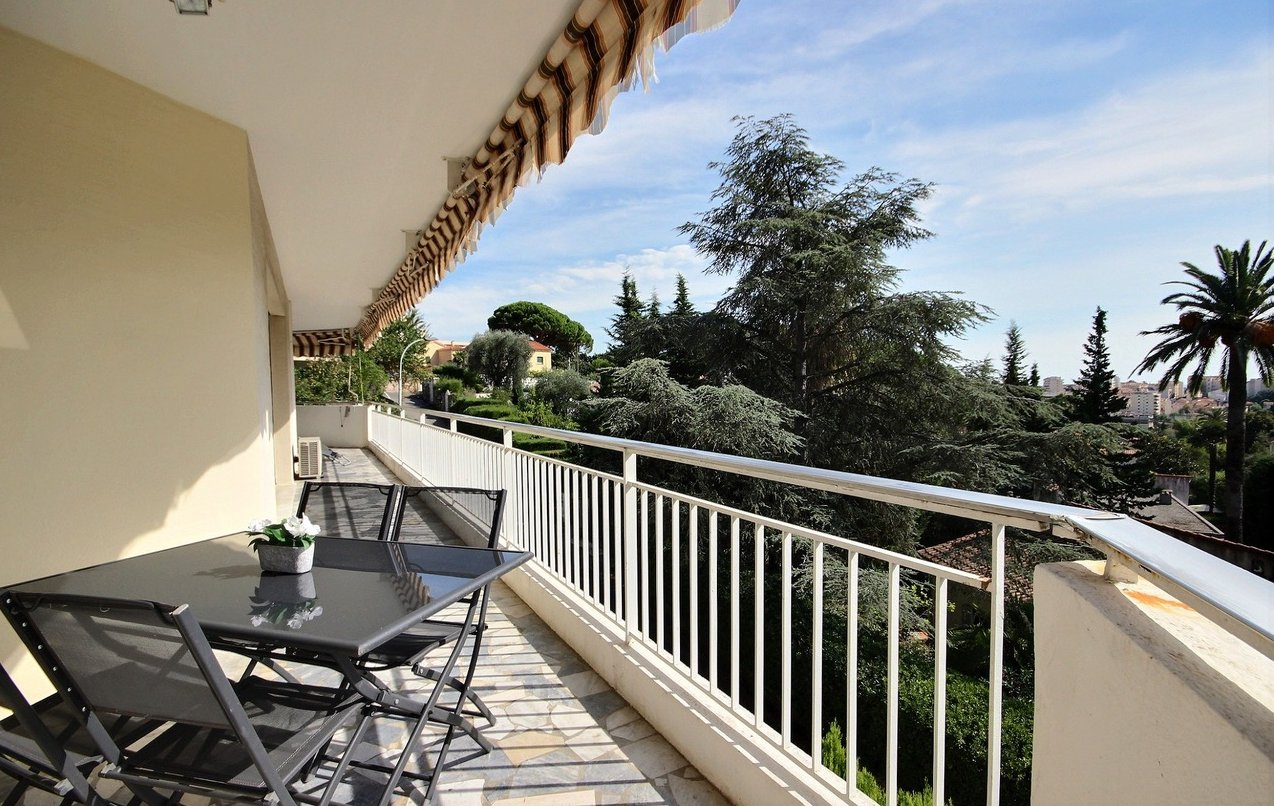 3 bedroom apartment Quiet district /Cannes petit Juas