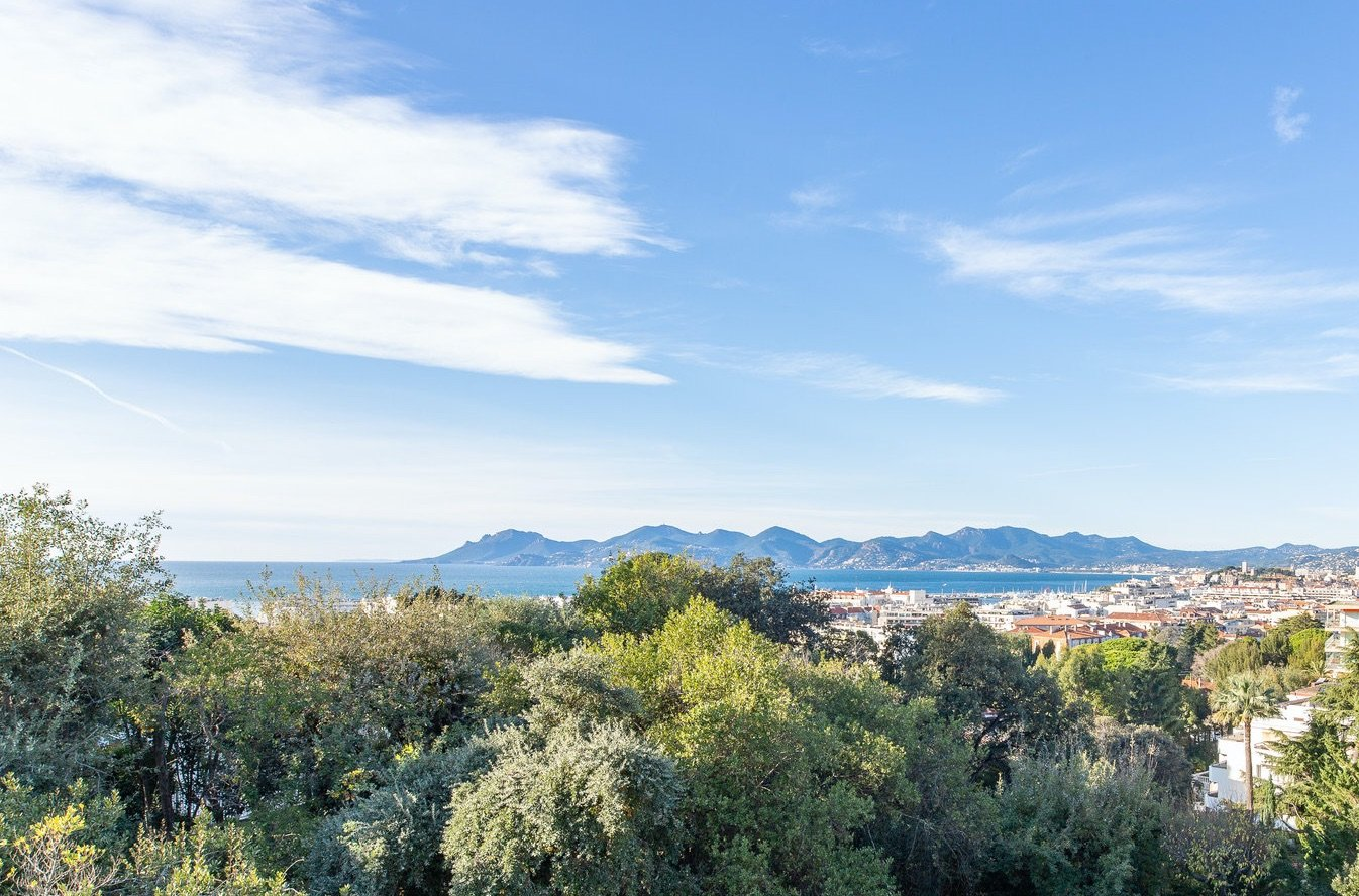 Cannes Basse Californie: 3 bedroom apartment with sea view terrace
