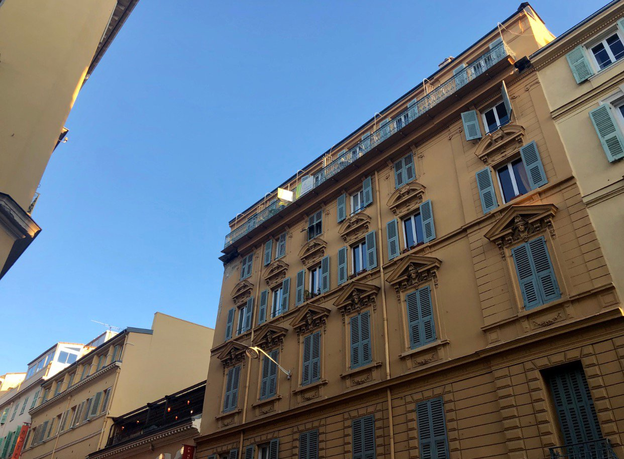 Massena zone piétonne - 2P - Dernier Étage - Balcon