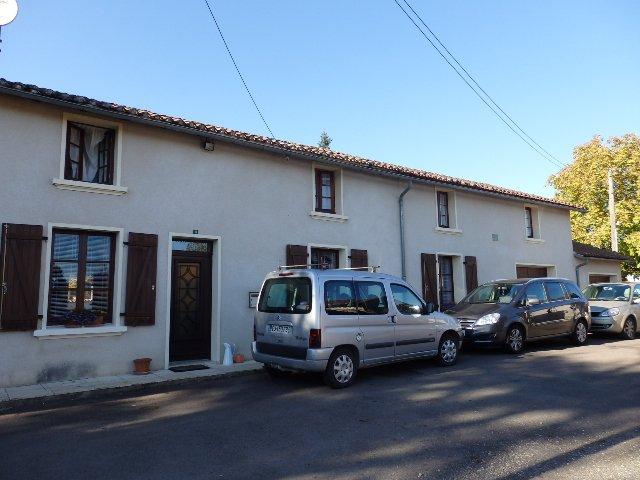 Hamlet house in Mézieres/Issoire in Haute Vienne