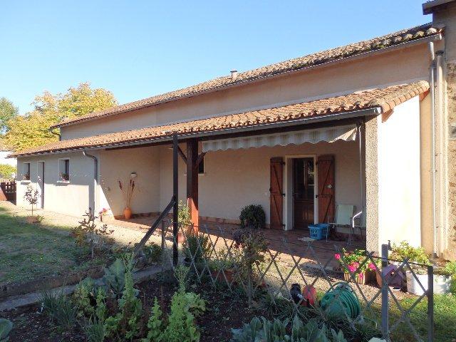 "Traditioneel ""Maison de hameau"" in Mézières/Issoire in Haute Vienne"