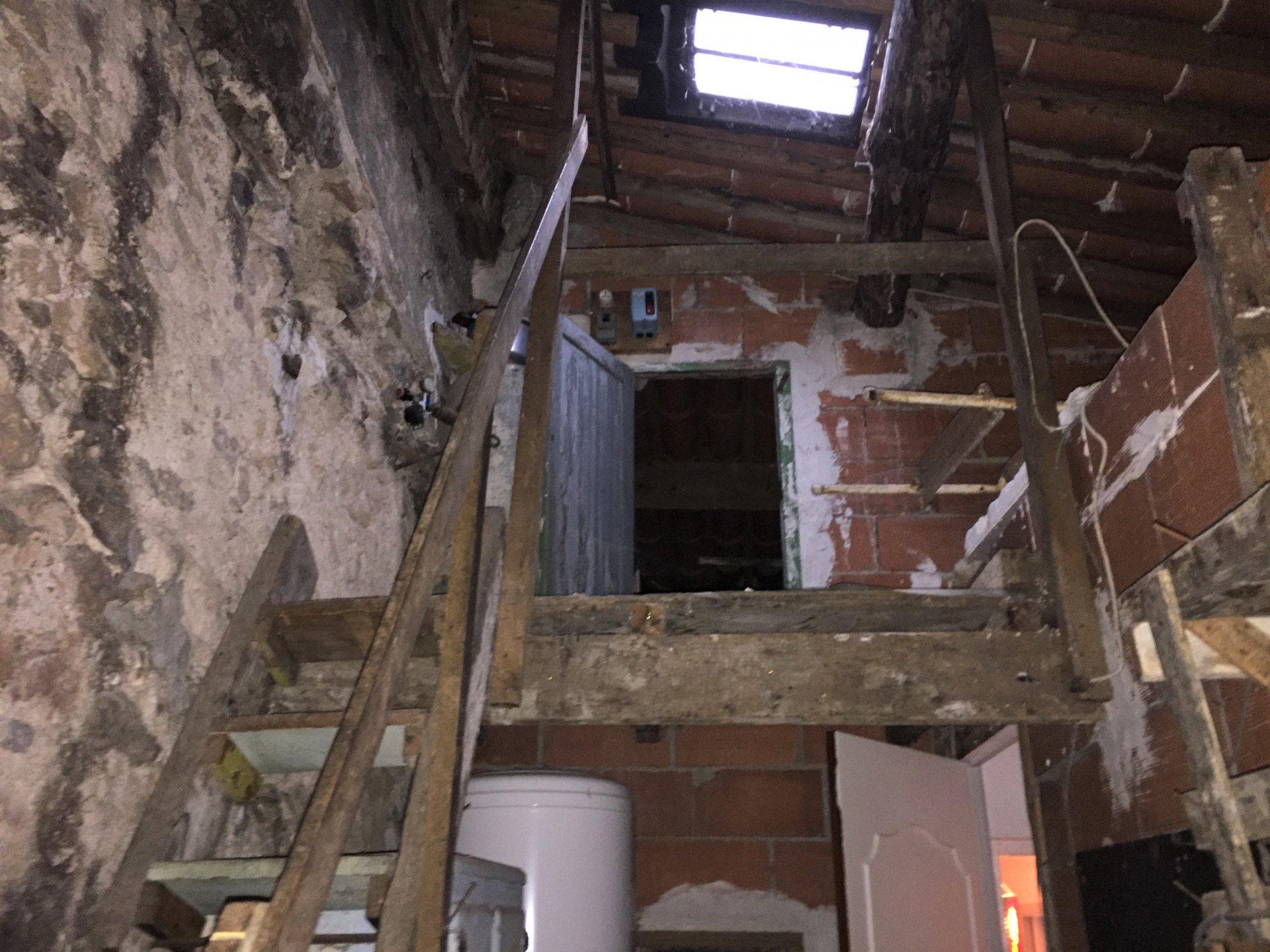 Maison ancienne avec extérieur à Treilles à 10 minutes de la mer