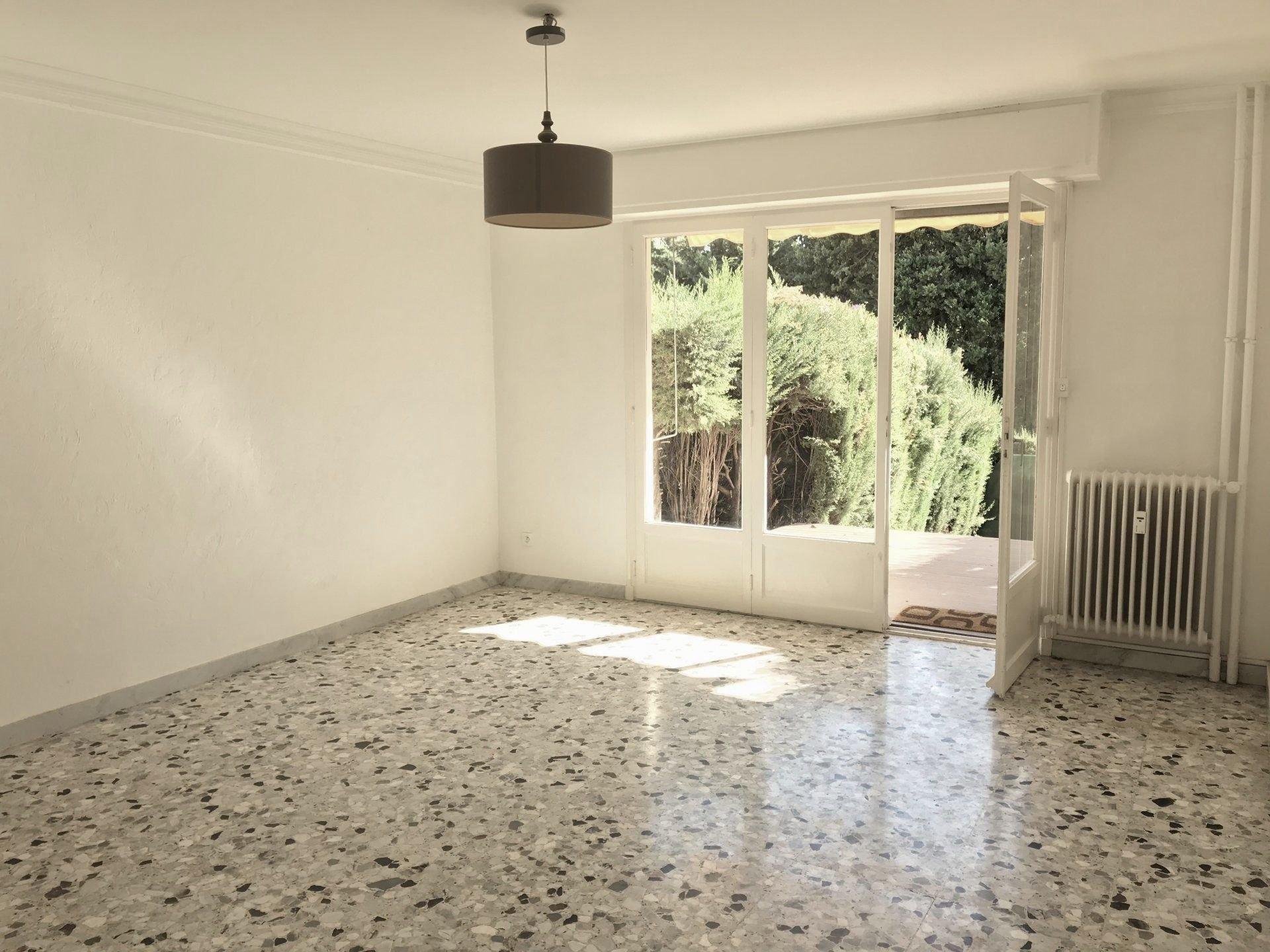 LE CANNET résidence Montjoli T3 63,44 m2 avec terrasse / jardinet / parking / cave