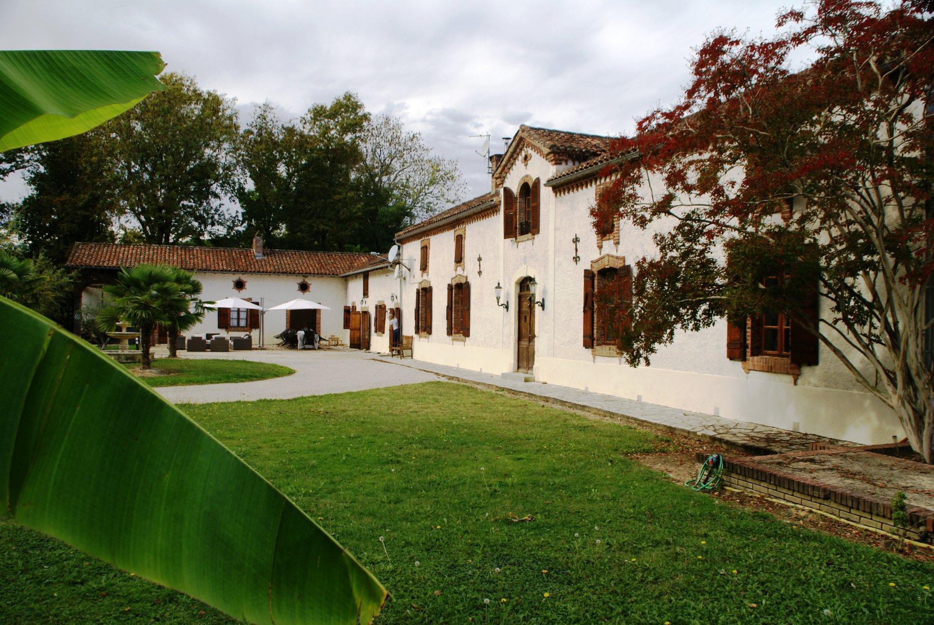 Prachtig landhuis, op 1.7ha terrein, zwembad en gastenverblijf (Gers)