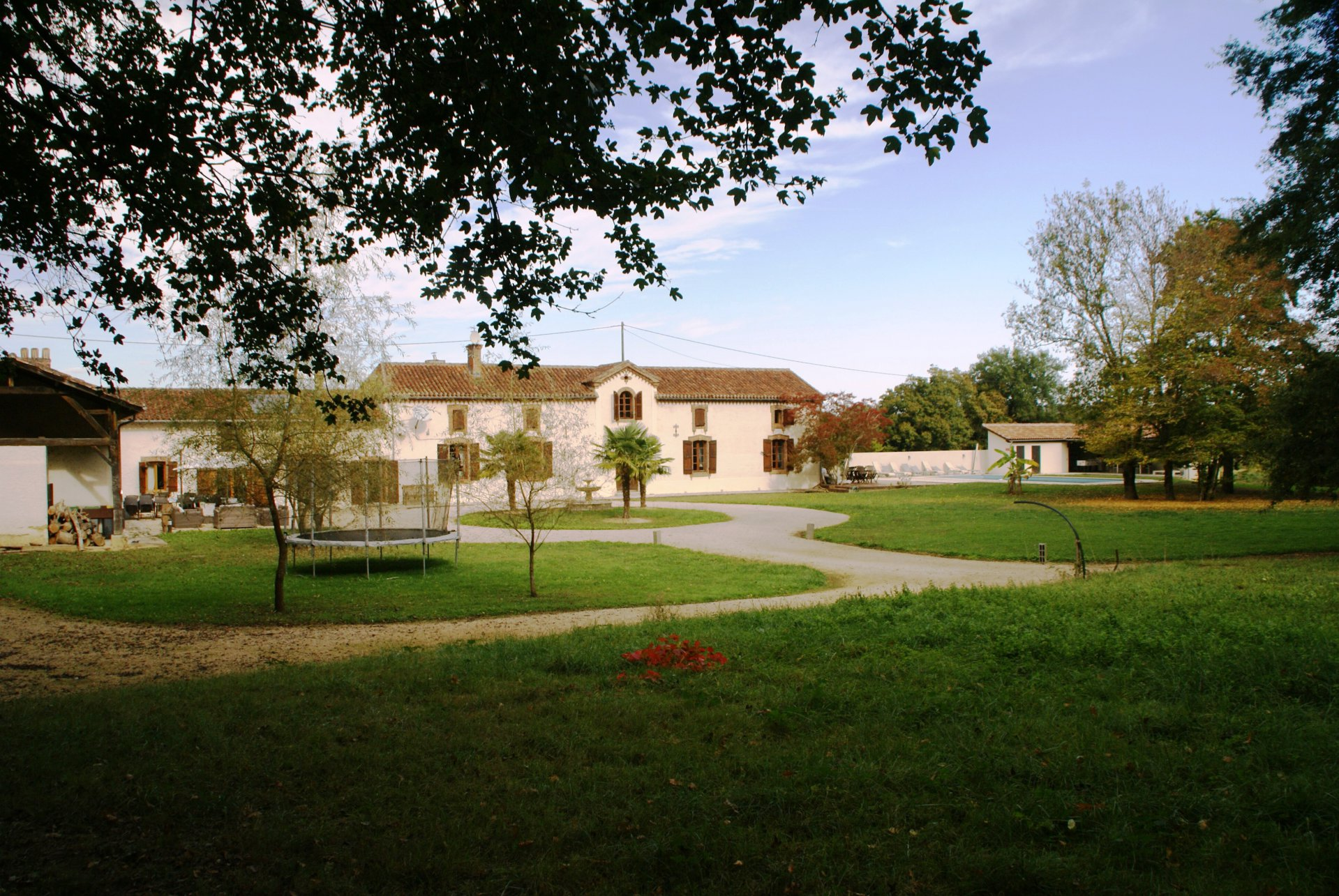 Prachtig landhuis, volledig gerestaureerd op 1.7ha terrein, zwembad en gastenverblijf Gers/Haut-Pyreneeën!