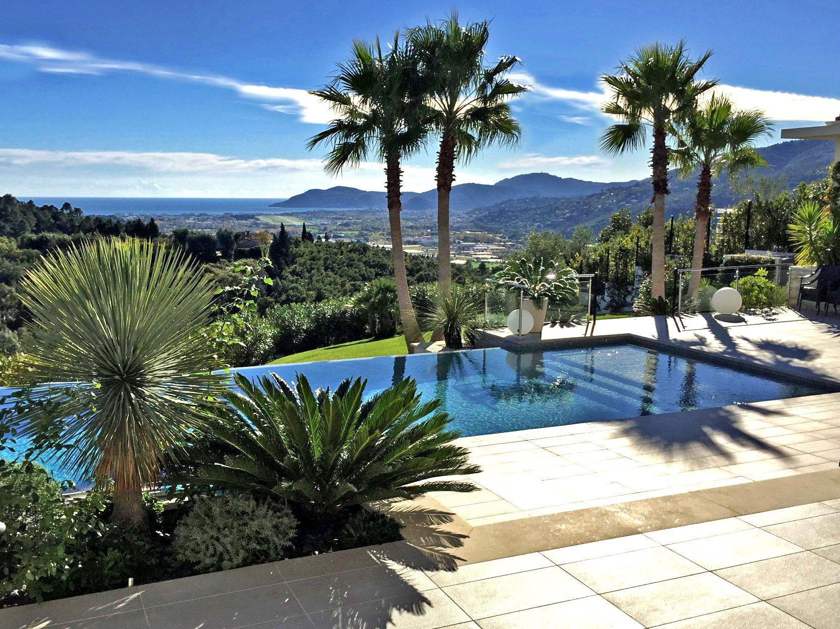 Vue mer - Lumineuse villa contemporaine de 300 m²