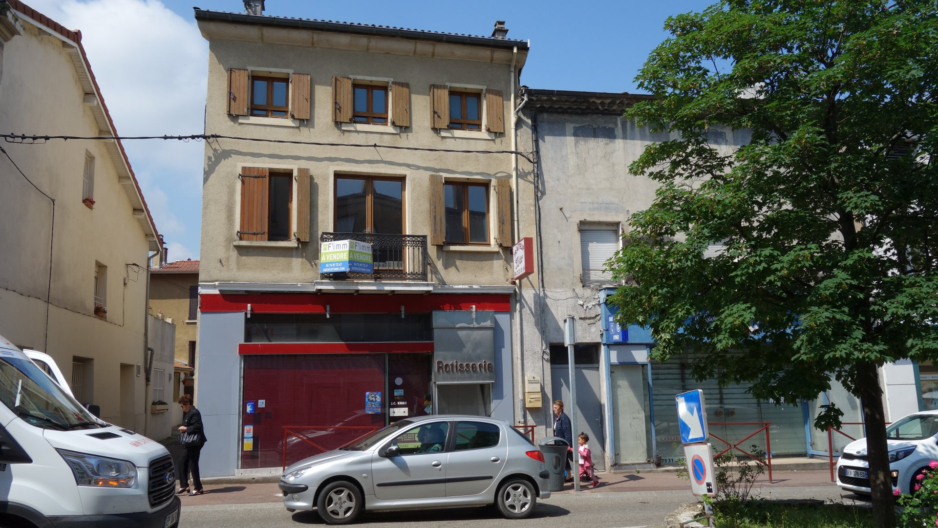 APPARTEMENTS / LOCAL COMMERCIAL