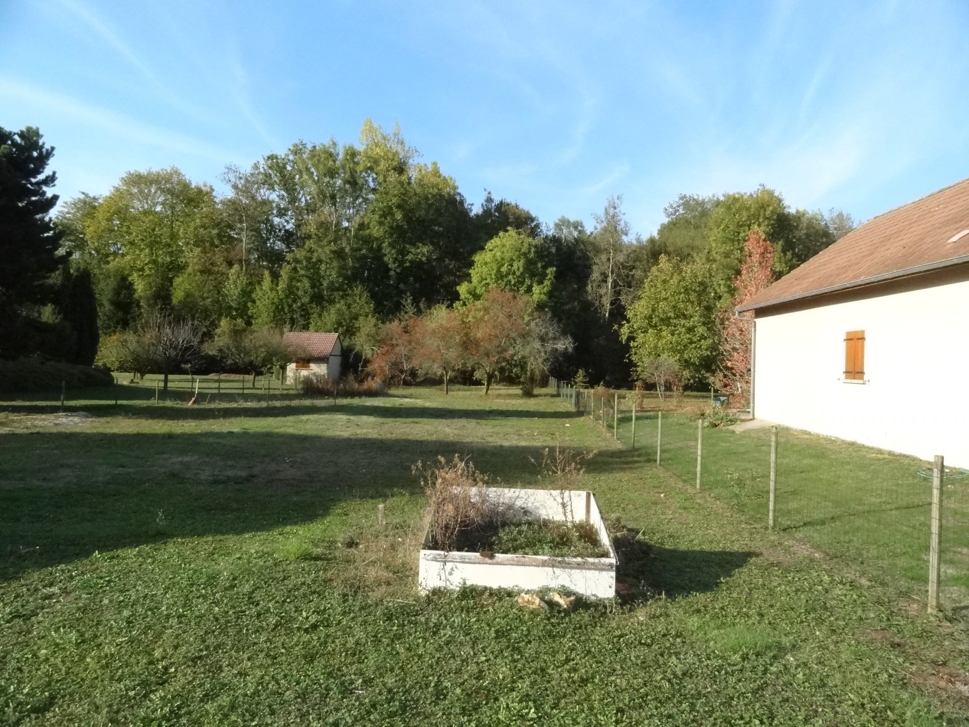 Sale Building land - Saint-Julien-du-Sault