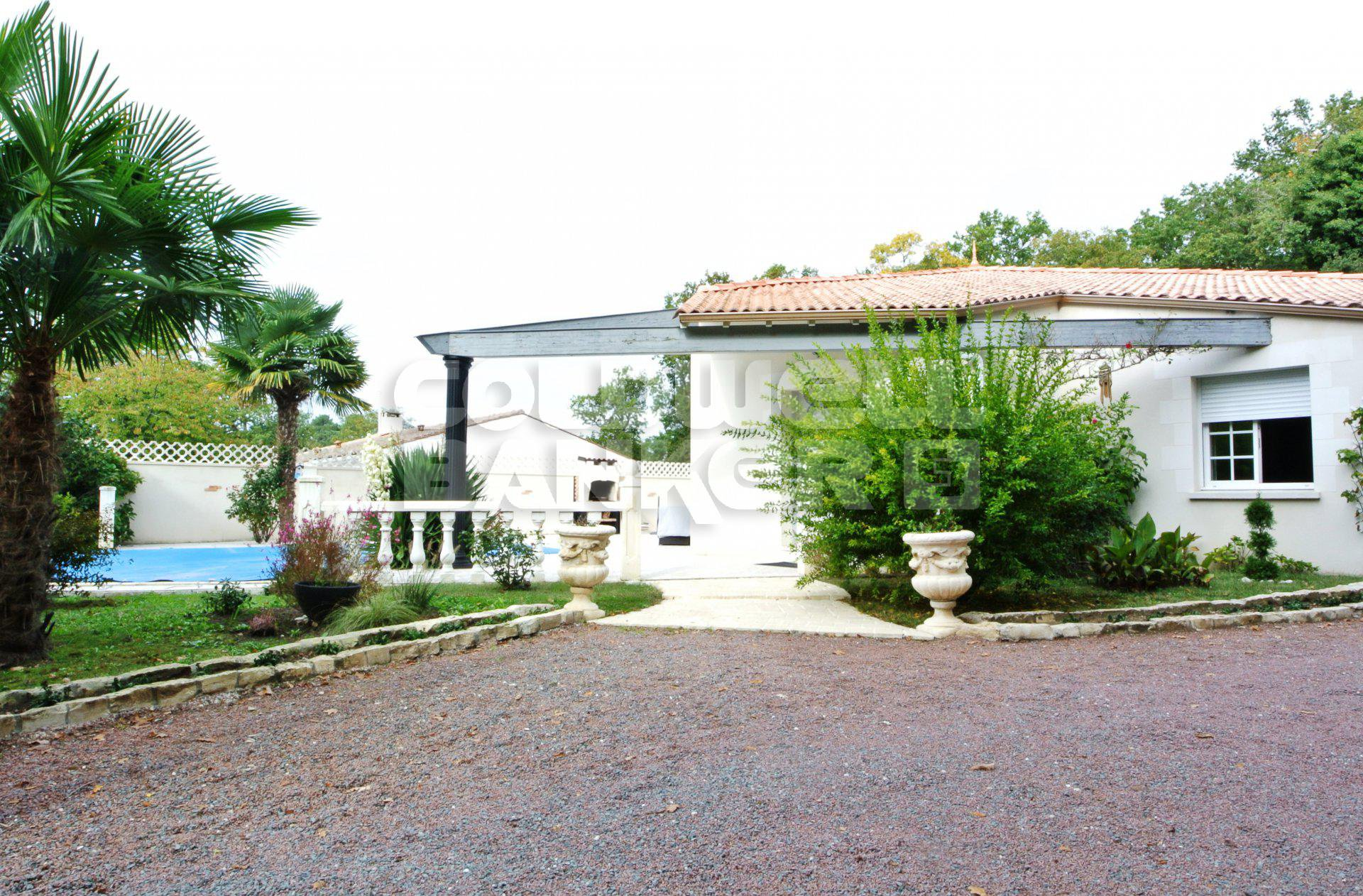 For Sale - CHAILLEVETTE - Contemorary House and Pool