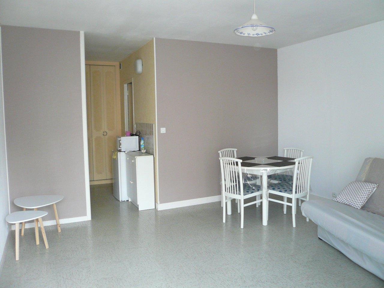 Studio - centre ville Thouars - 29 m² (env.)