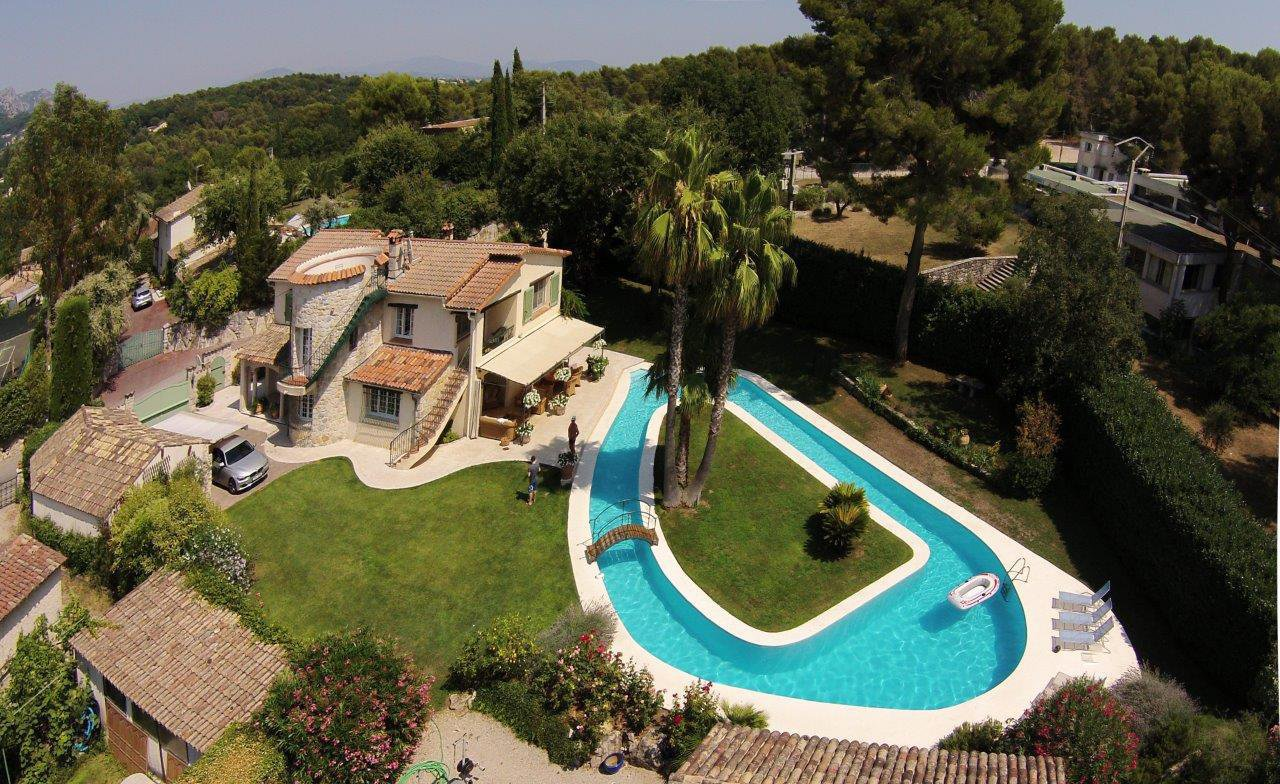 BEAUTIFUL PROVENCAL VILLA VERY QUIET AREA