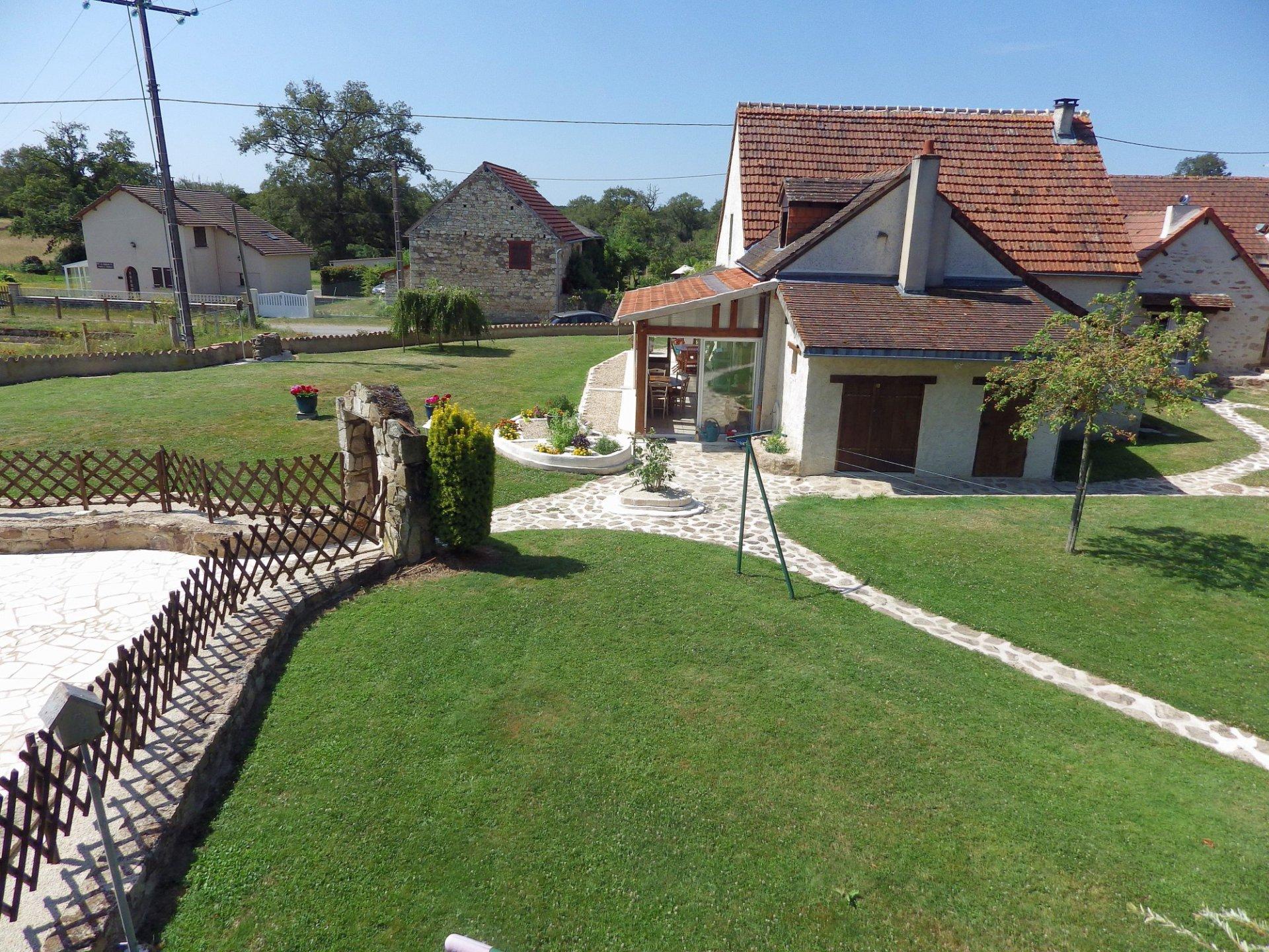 Regio Montmorillon, Vienne 86: woning met gite en zwembad
