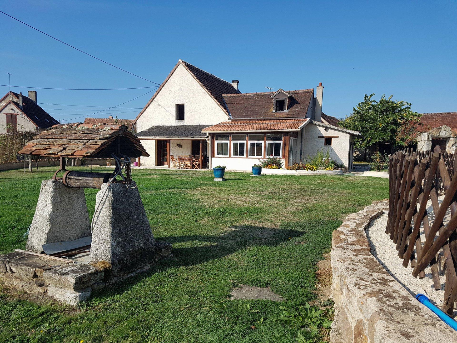 Region Montmorillon, Vienne 86: belle propriété avec piscine