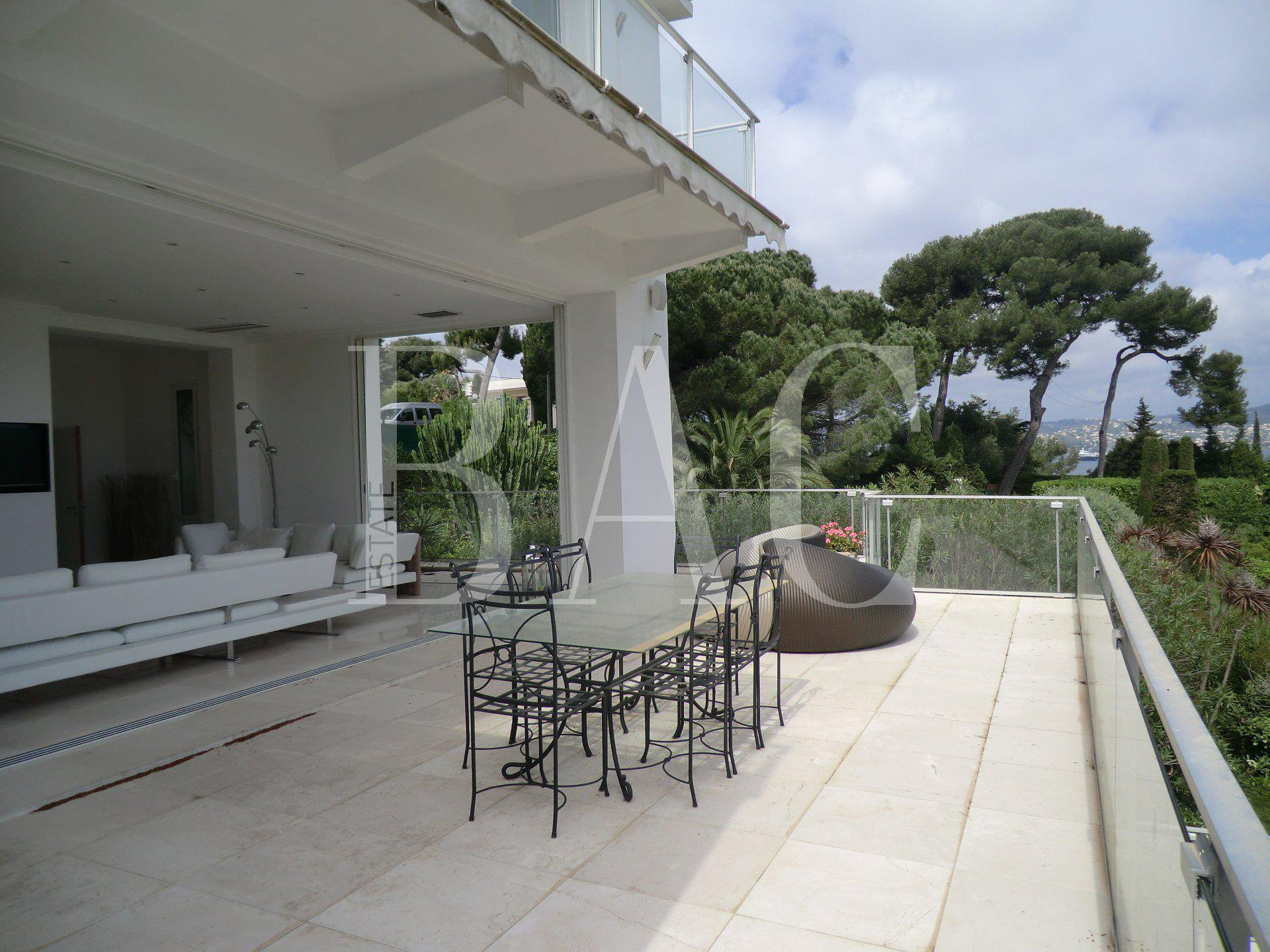 villa with sea views in cap d 39 antibes. Black Bedroom Furniture Sets. Home Design Ideas