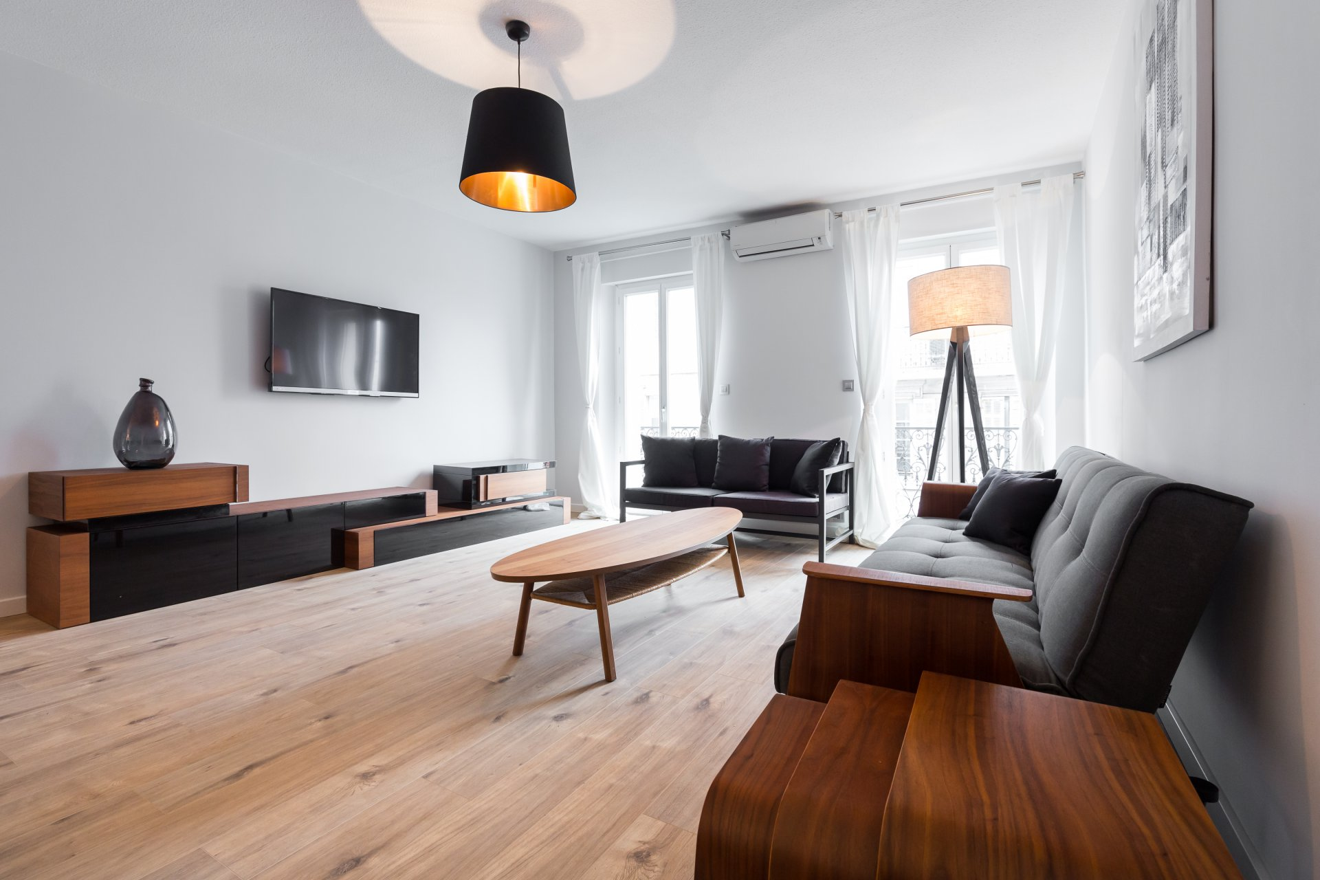 rental for film festival apartment 2 bedroom close Palais and Croisette
