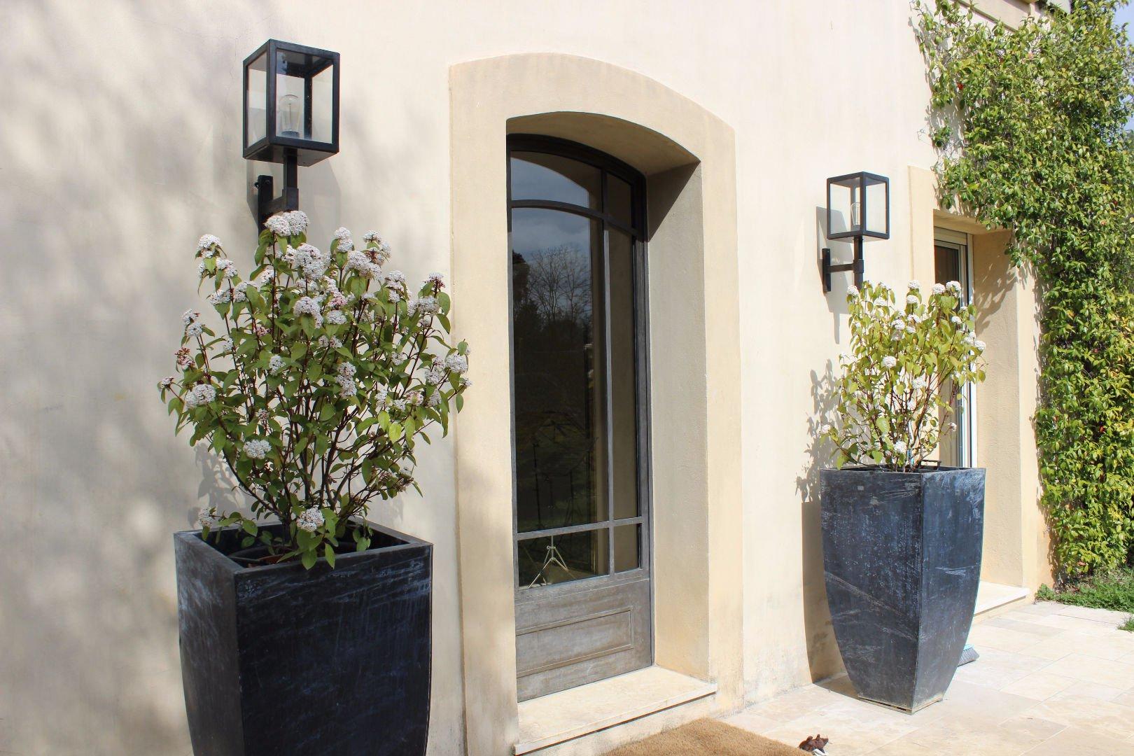 Villa de charme proche centre village Valbonne