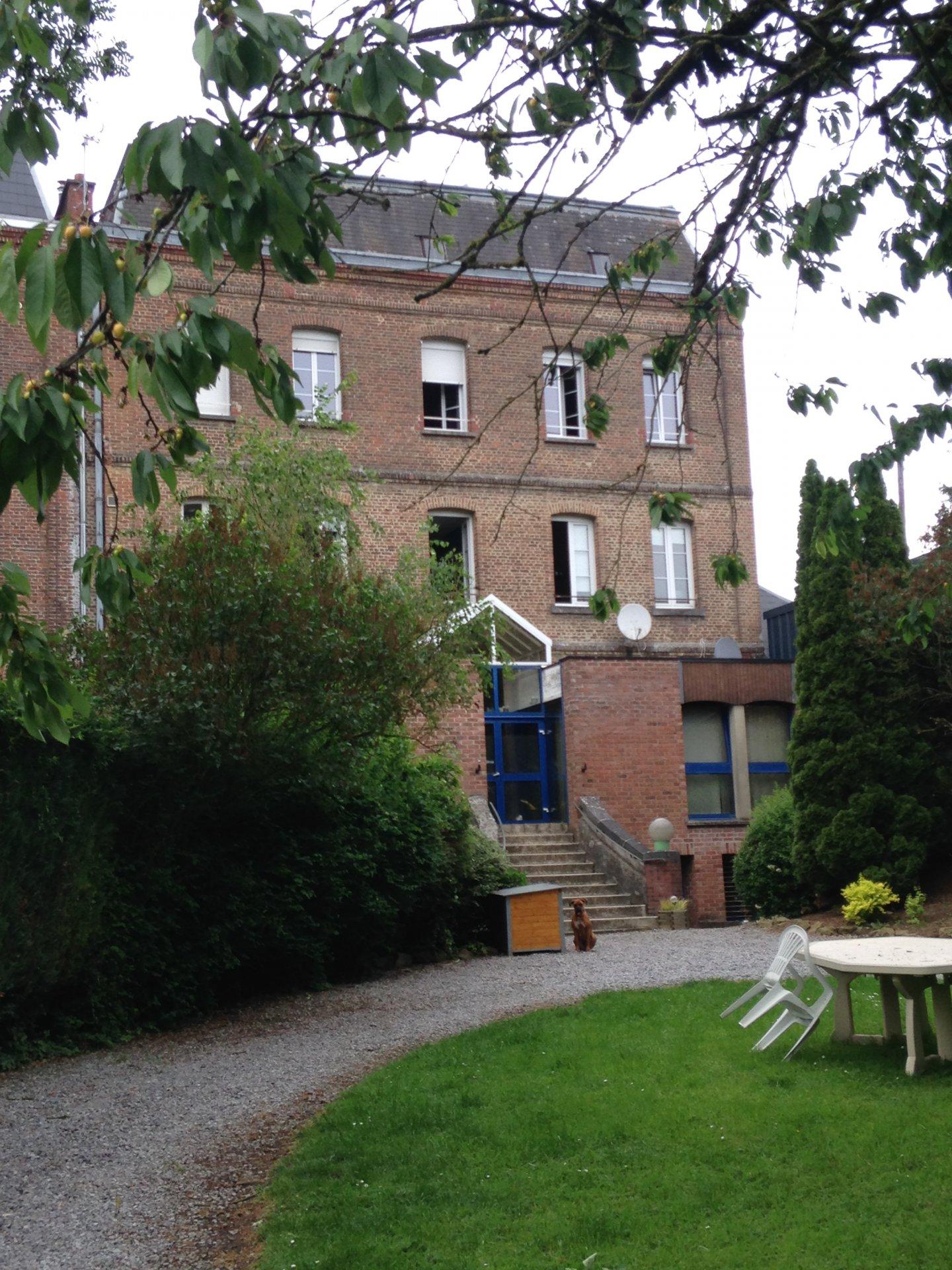 Sale Building - Avesnes-sur-Helpe