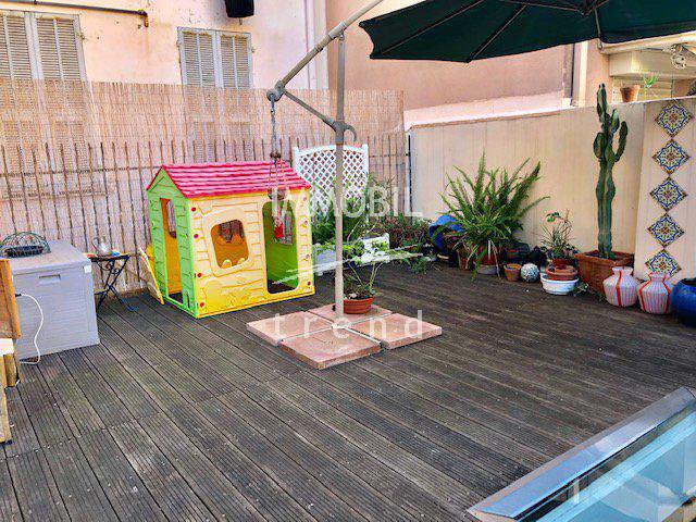 Real estate Menton - offers, spacious apartment, 3 bedrooms with terrace 80m2