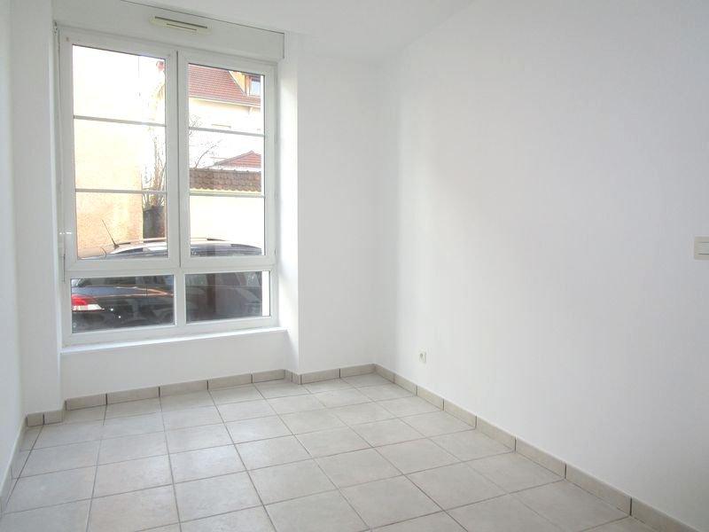 Appartement T3 rez-de-chaussée - chambre
