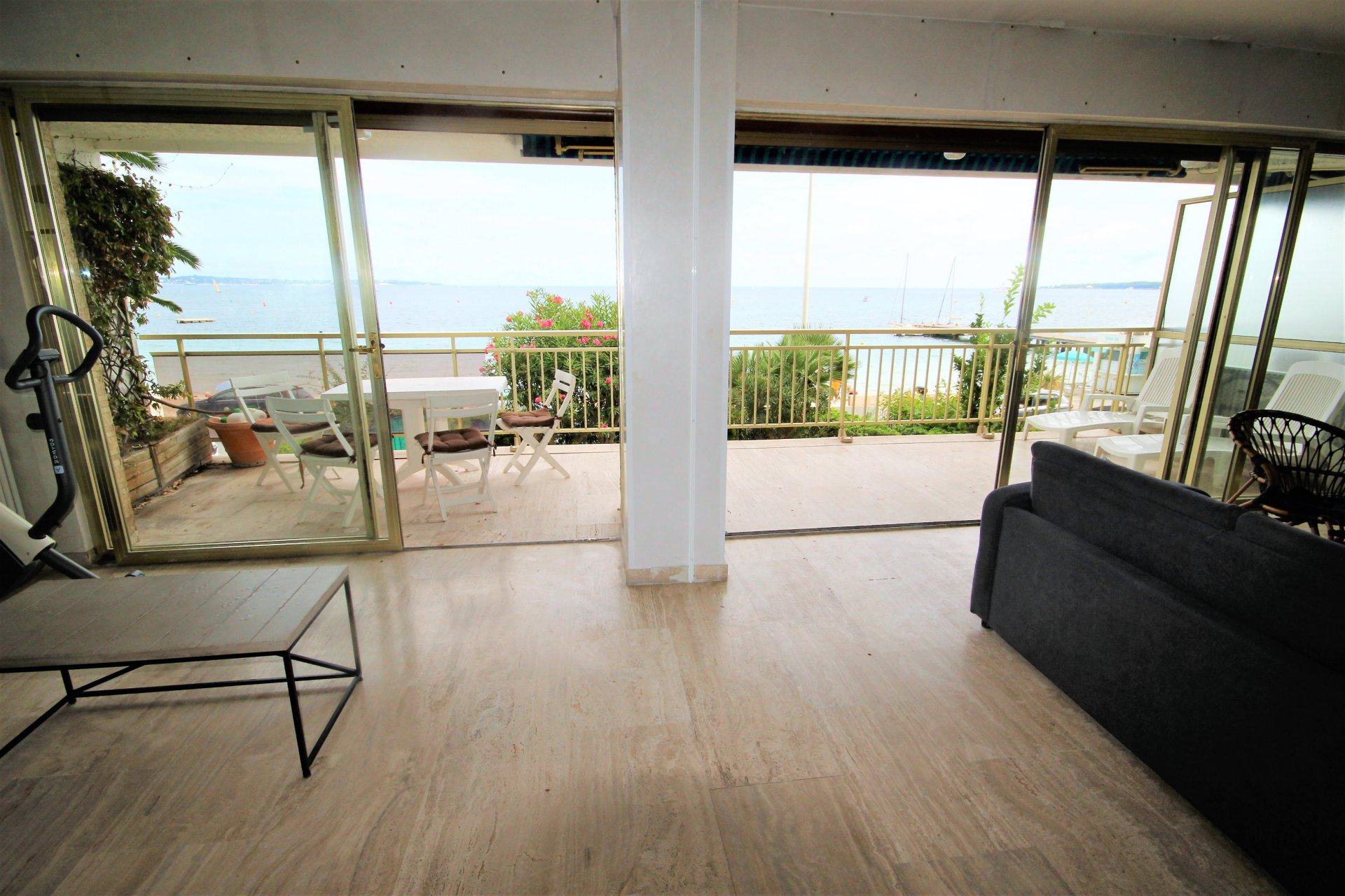 CANNES SALE 3 ROOMS IN FRONT OF SEA