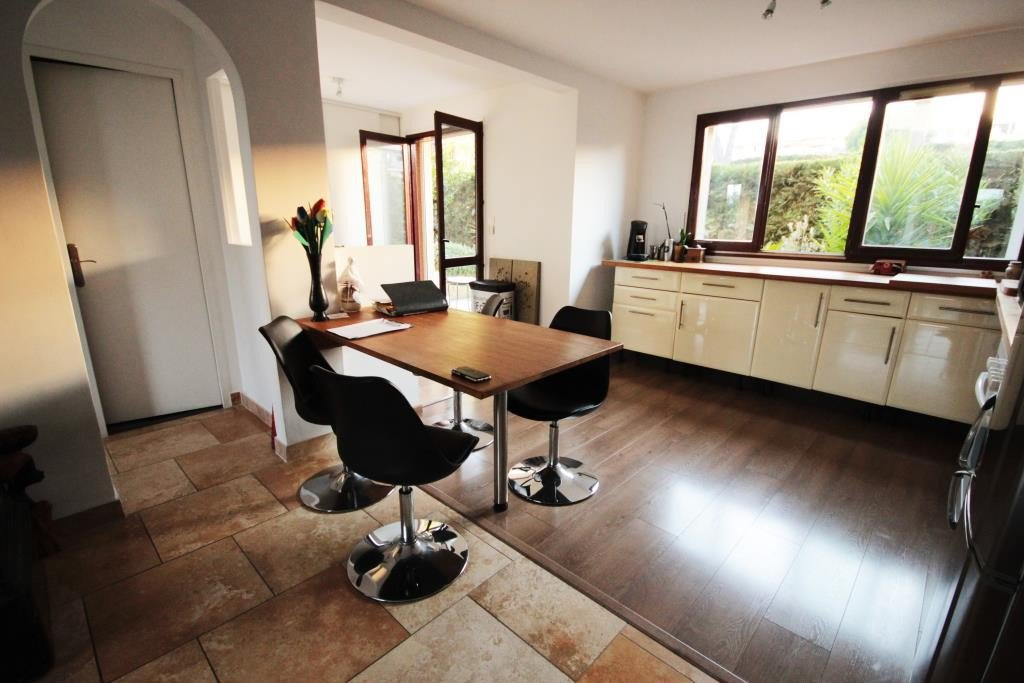 ANTIBES SALE 4/5 ROOMS IN RESIDENCE OF GARDEN STANDING RESIDENCE