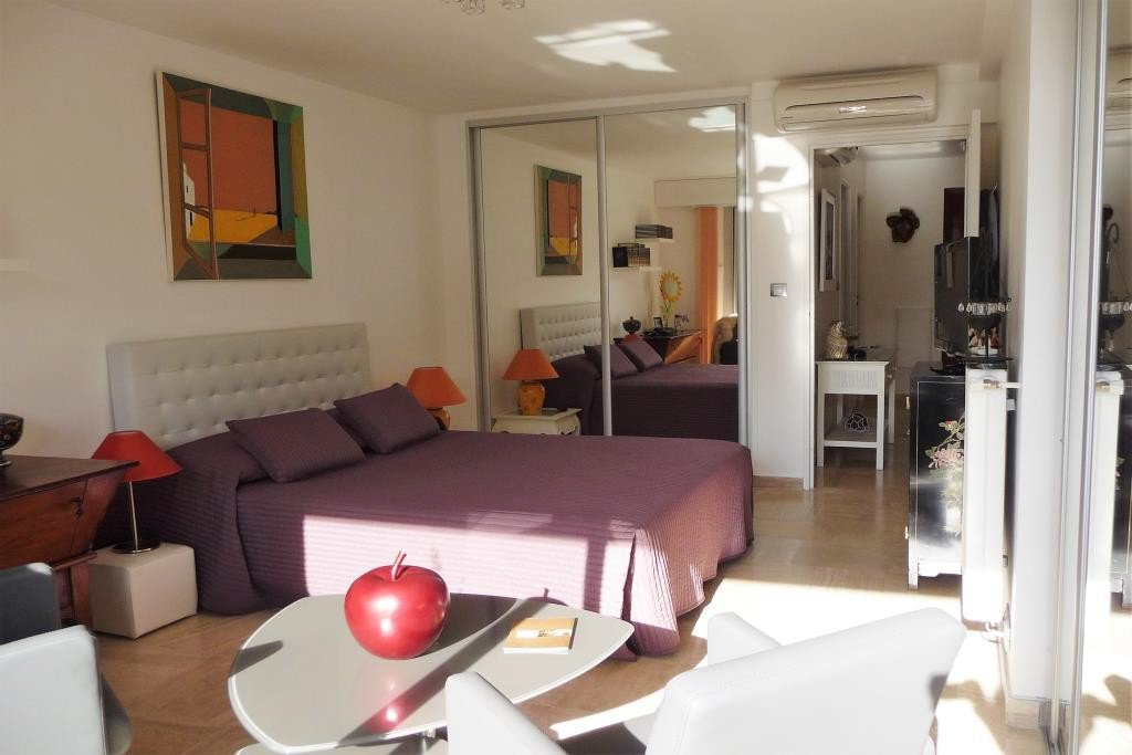 CANNES SALE 2 ROOMS NEAR THE BEACHES AND THE CENTE