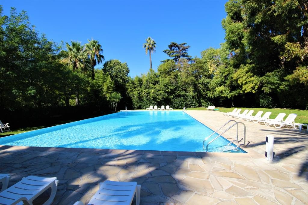 CANNES SALE 2 ROOMS RESIDENCE STANDING WITH SWIMMING POOL