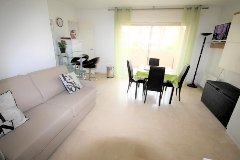 CANNES SALE 2 ROOM CLOSE CENTER