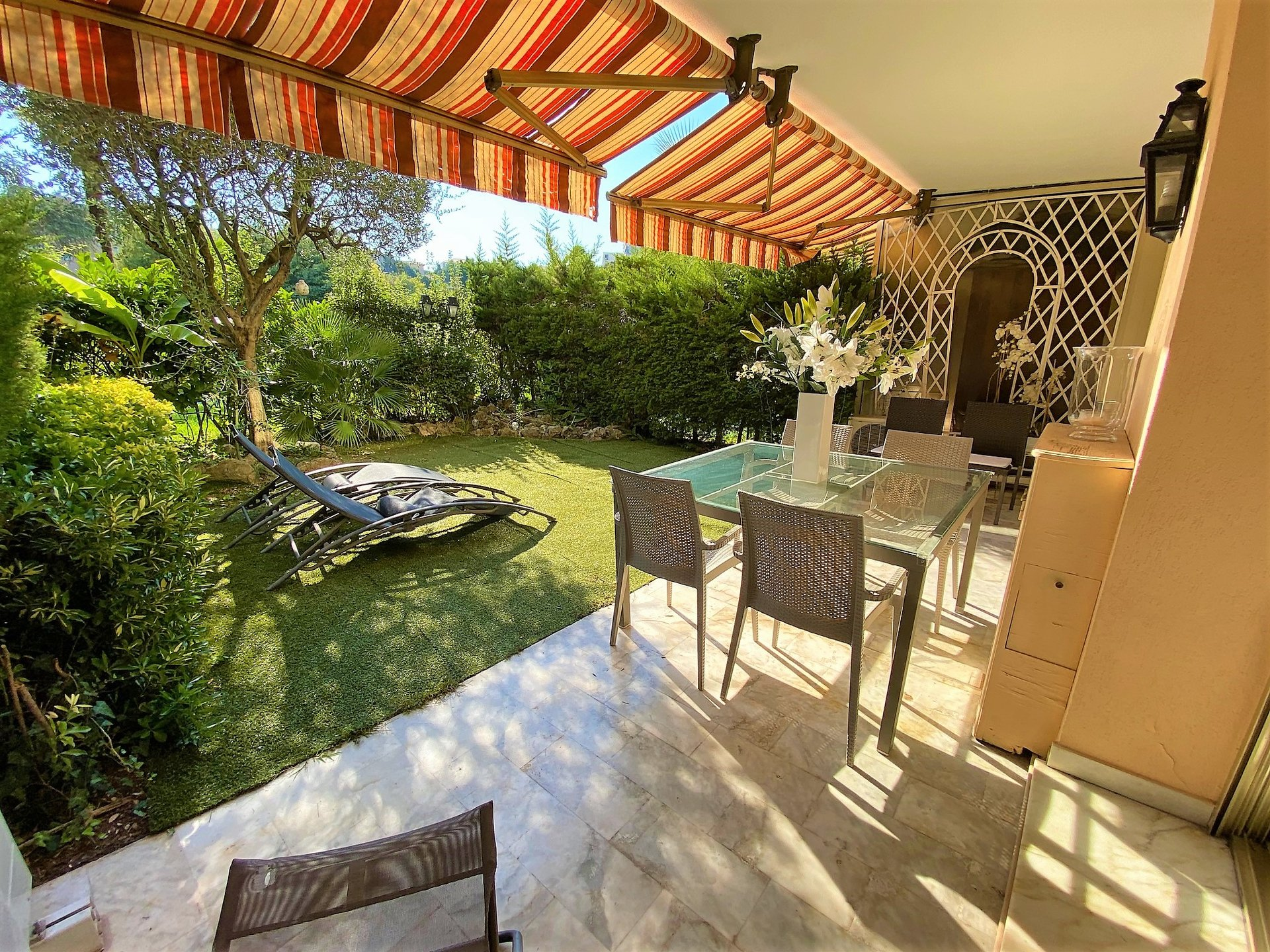 CANNES SALE 3 ROOMS RESIDENCE WITH ABSOLUTE CALM SWIMMING POOL