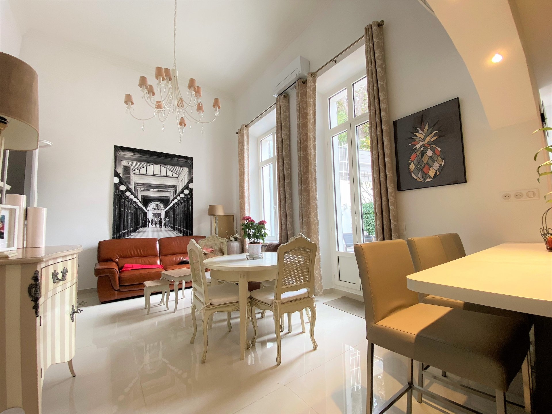 MAGNIFICENT 3 ROOMS IN RDJ IN RESIDENCE BOURGEOISE