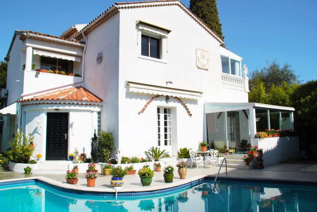 CANNES SALE VILLA 4 ROOMS NEAR CENTER AND BEACHES