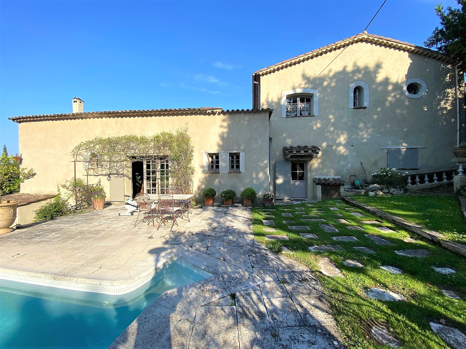 GRASSE SALE MAGNIFICENT RENOVATED MAS WITH SWIMMING POOL