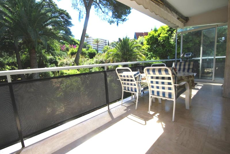 CANNES MONTFLEURY Sale 3 rooms in residence standing in quiet