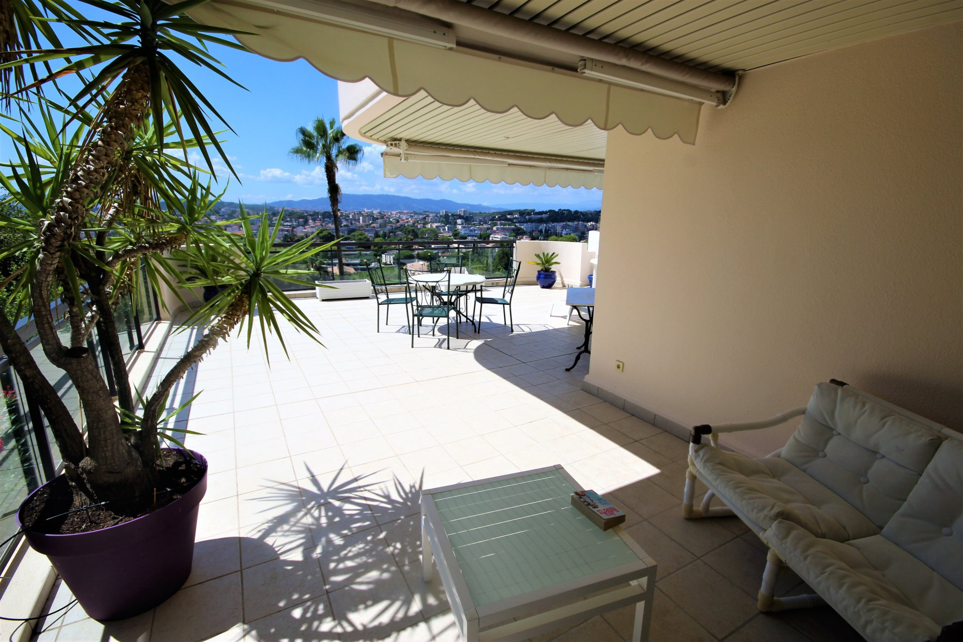 LE CANNET for sale 3 rooms new residence standing with swimming pool