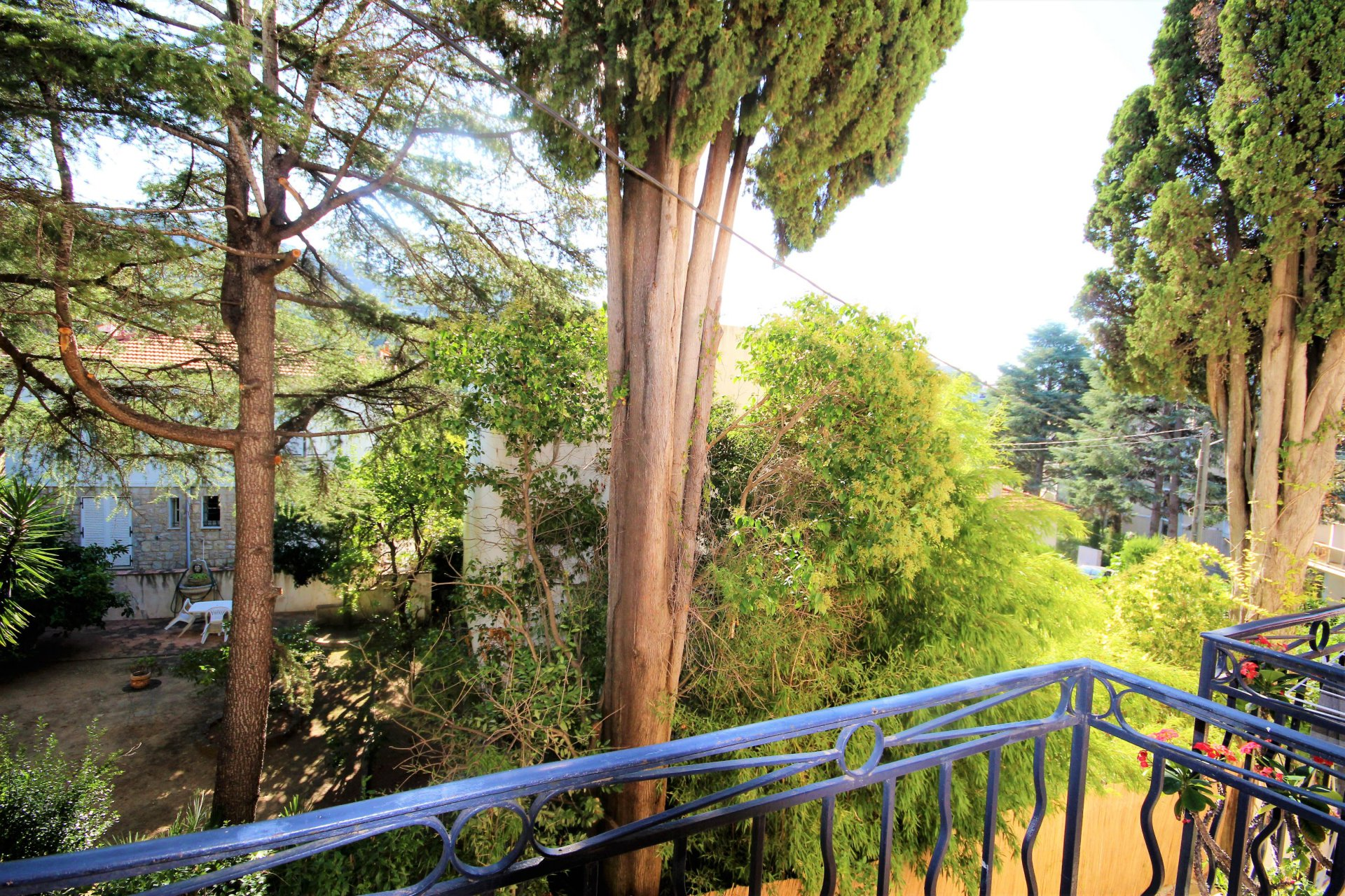 CANNES Sale 2 rooms bright near city center