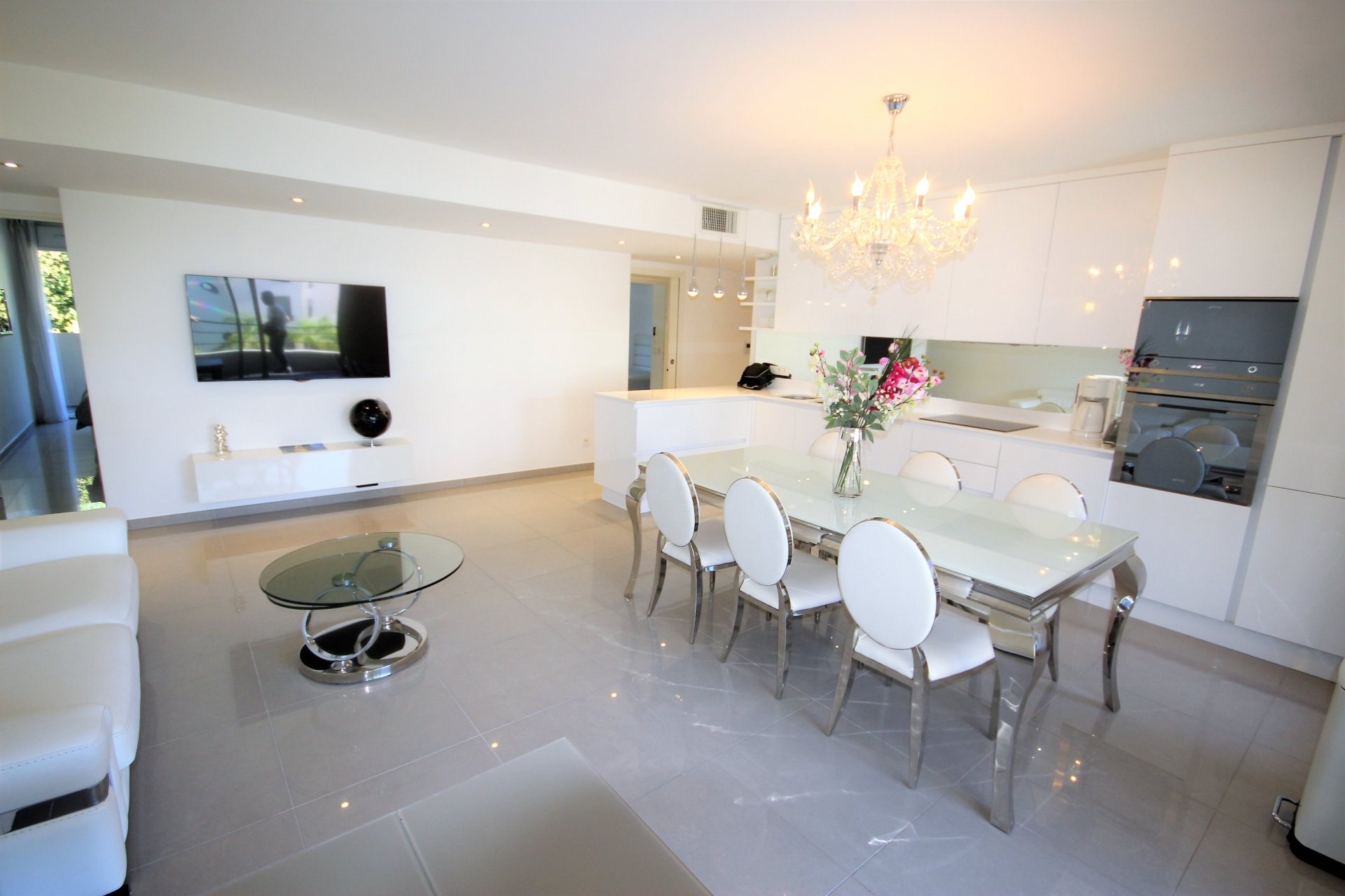CANNES for sale 4 rooms residence standing with swimming pool
