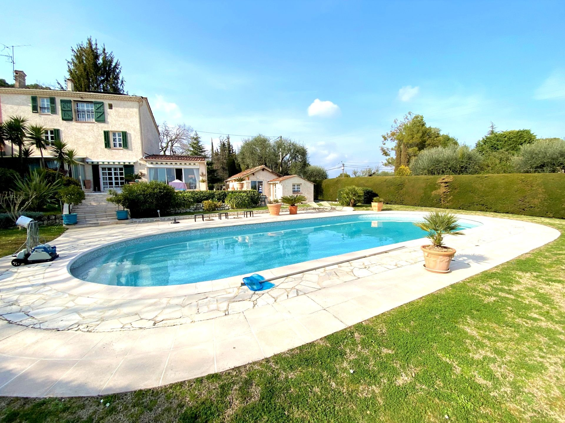 MOUGINS RESIDENTIAL SALE VILLA IN QUIET ABSOLUTE SEA SEA VIEW ABSOLUTE