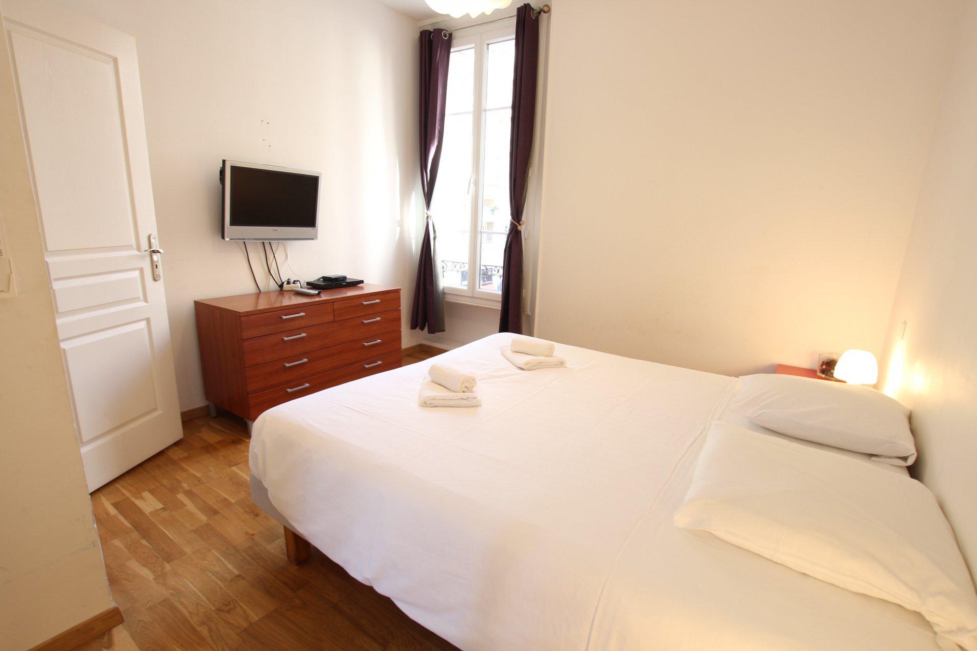 2 bedrooms (sleeps 6) Seaside