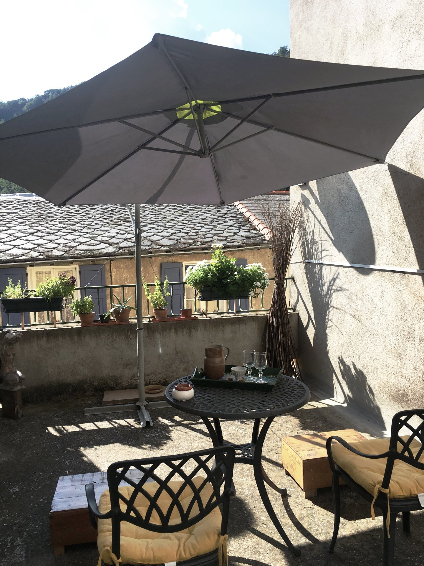A Olette, maison de village, 2 chambres, terrasse, garage