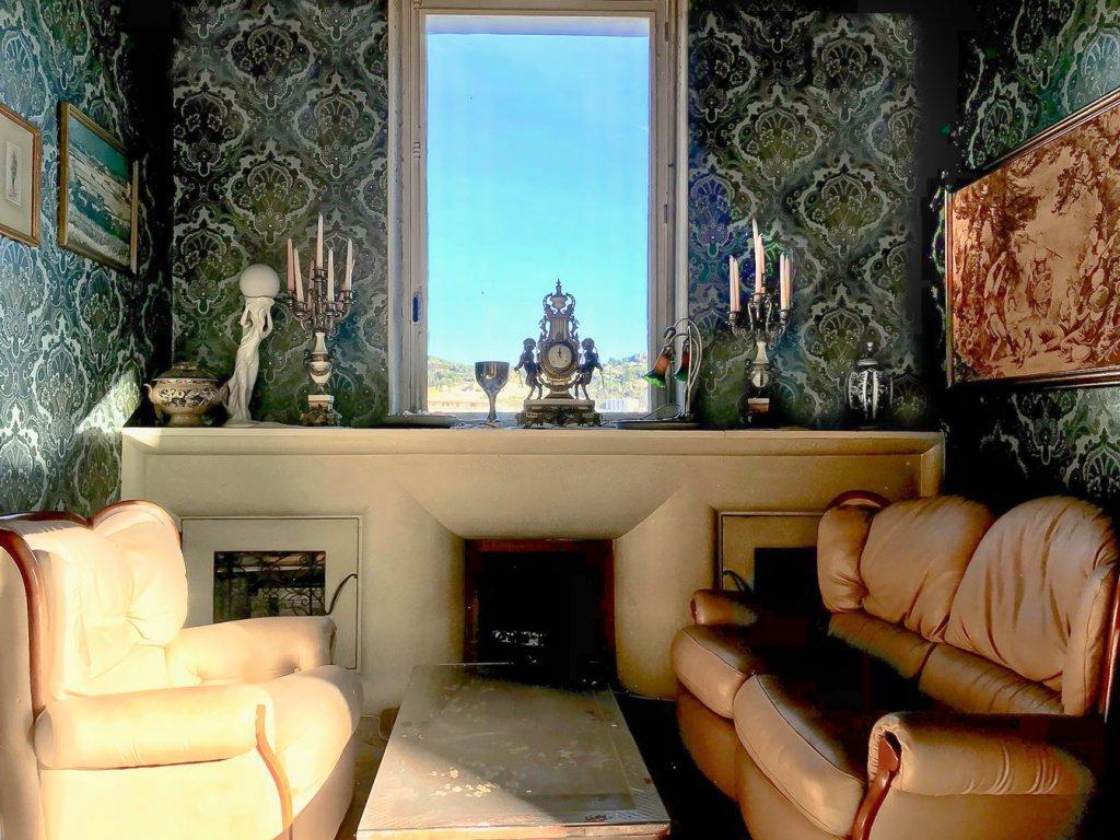 Exceptionnel appartement au style Bourgeois à rénover - Le Cannet