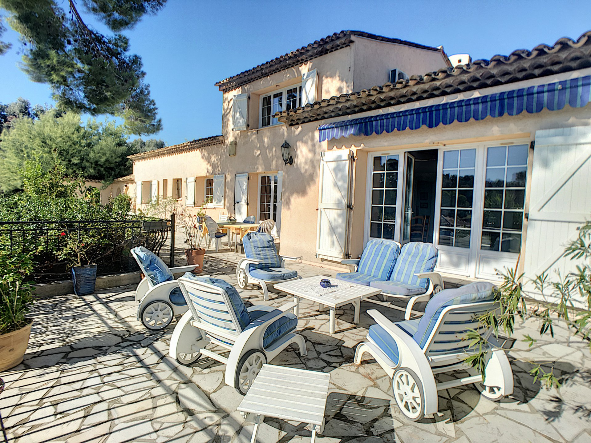 Provencal villa 211 sq.m sea views