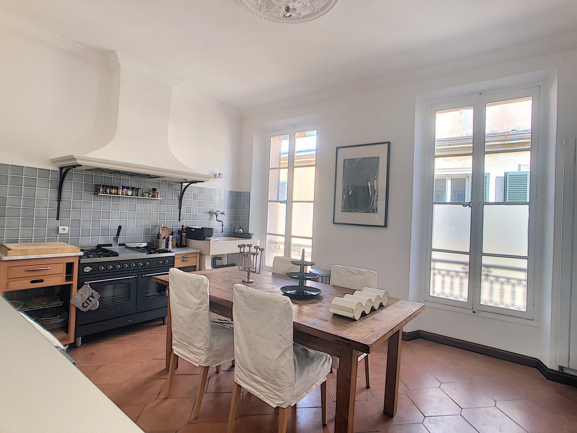 Apartment of 123 m2 in the old town