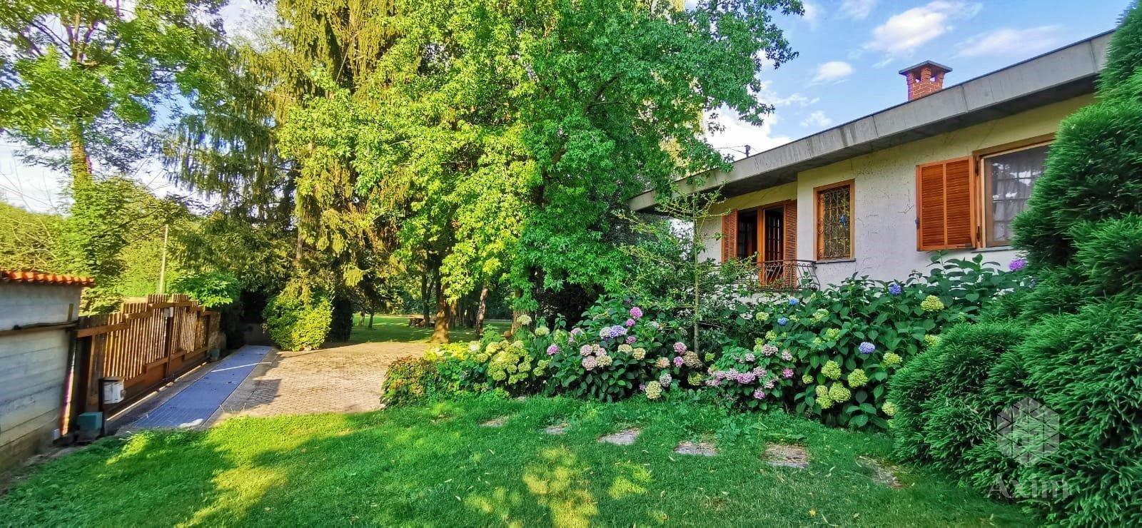 Villa au calme à quelques km du centre de Caraglio