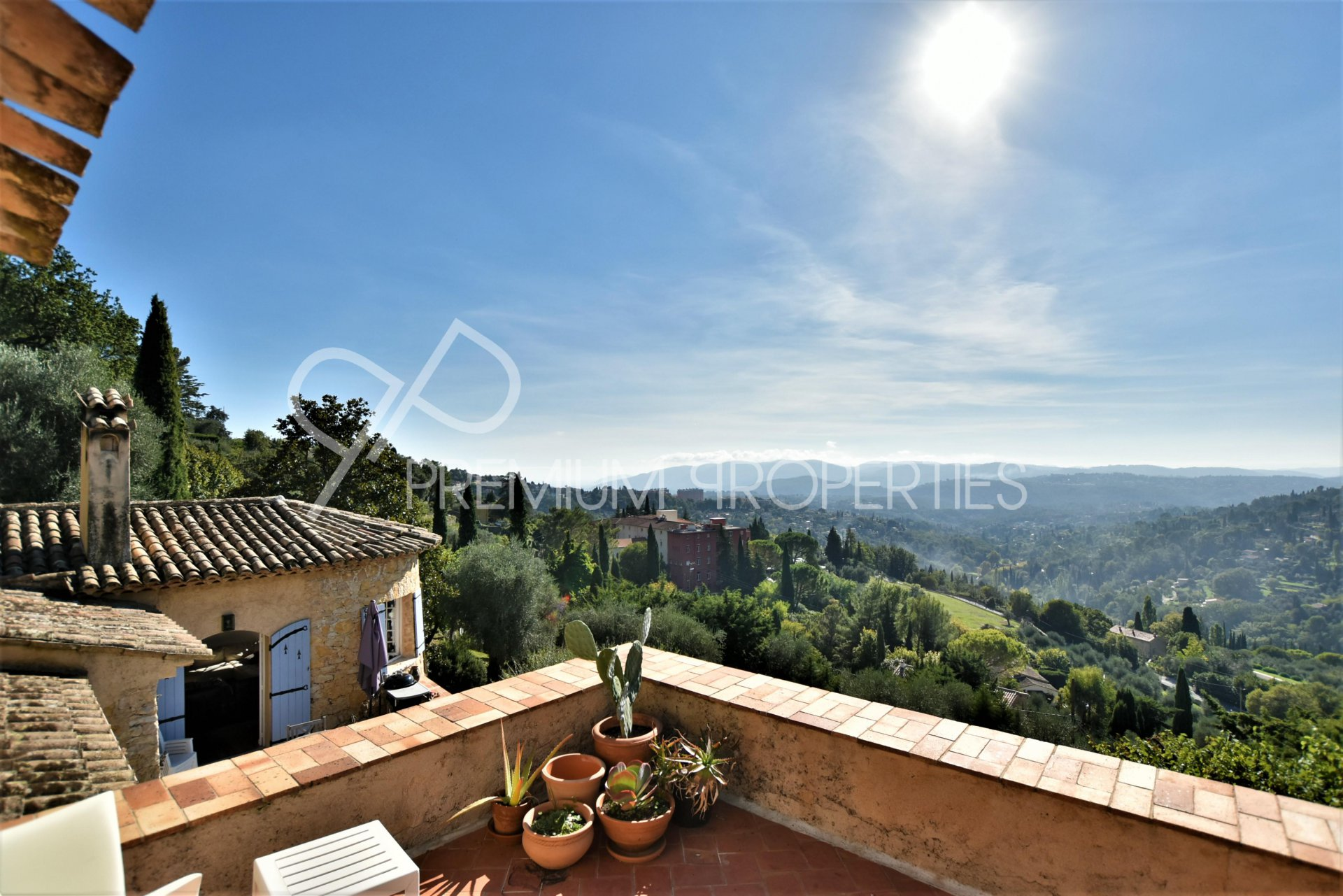 GRASSE - RENOVATED BASTIDE WITH  BREATHTAKING VIEW