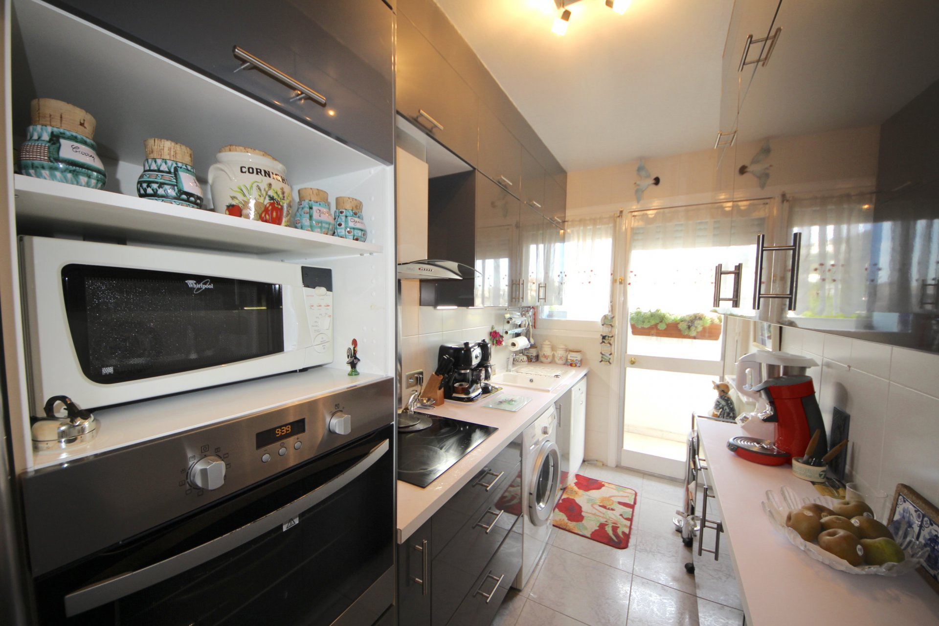 Beautiful 2  bedroom top floor , corner terrace 49 sqm and solarium terrace 83 sqm, Cannes Montfleury.