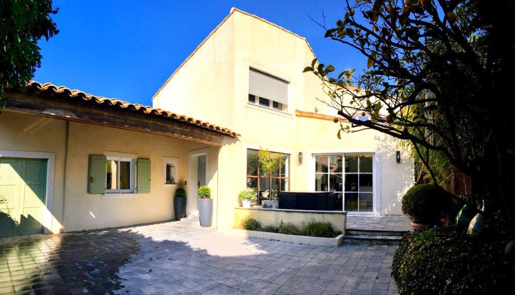 Renovated 5-room design house - La-Roquette-sur-Siagne