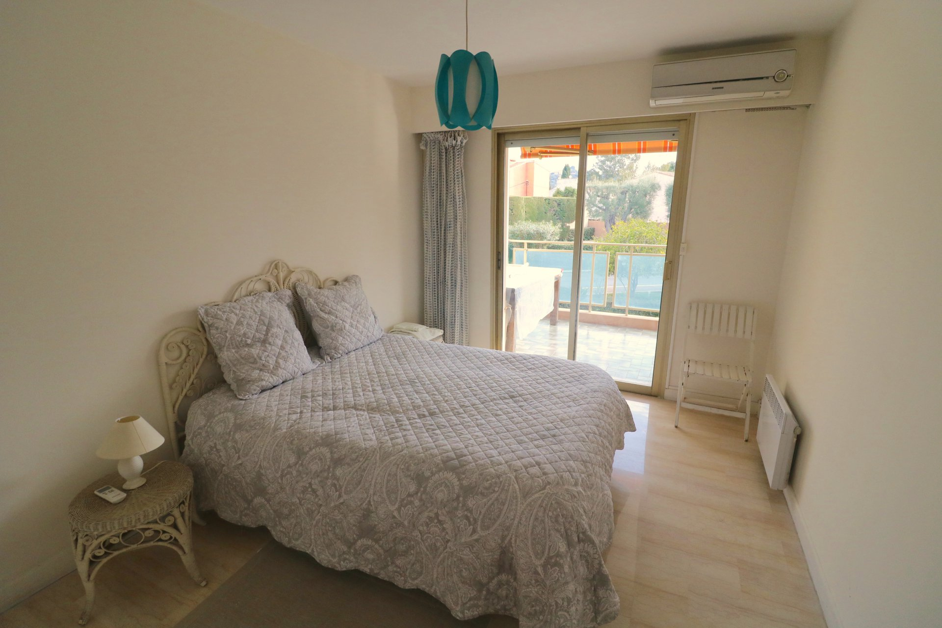 Cap d'Antibes 2 bed flat 72 s.q.m